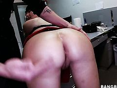 Abbey Brooks with bubbly bottom is good on her way to make horny guy bust a nut on oral action