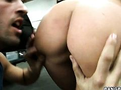 Blonde Austin Taylor with bubbly ass is good at fucking and her hard dicked fuck buddy knows it