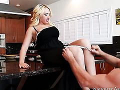 Asian Kagney Linn Karter enjoys the warmth of Johnny Castles erect sausage deep in her muff pie