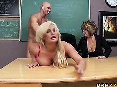 Julie Cash with gigantic breasts gets satisfaction with hot bang buddy Johnny Sins