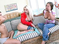 Brunette Mercedes Lynn is in the mood for pussy eating and does it with lesbian Sasha Hall