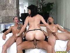 Bobbi Starr with phat bottom moans while sucking Eric Swisss meat stick harder and harder