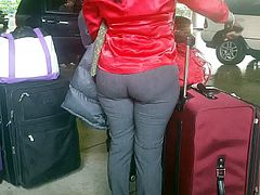 Candid Haitian booty at Airport 2