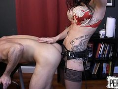 OFFICE STRAP-ON PUNISHMENT WITH LANCE HART AND ITS CLEO PEGG