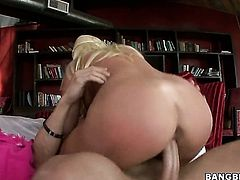 Blonde Britney Amber with gigantic boobs and bald twat is so close to orgasm after a few minutes of fucking with her sex partner