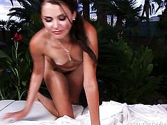 Kris Slater makes his erect fuck stick disappear in alluring Allie Hazes love tunnel