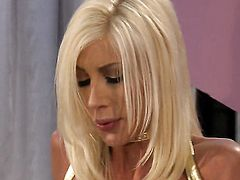 Experienced breathtaker jessica drake gets her slit licked out by Puma Swede