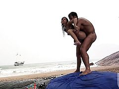 Sexy doll Fabiany Dellaveingh cant resist guys hard sausage and takes it in her mouth