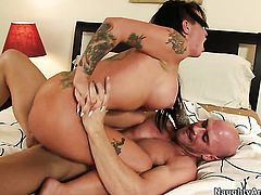 Johnny Sins sticks his boner in irresistibly sexy Christy Macks wet hole