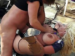 Alura Jenson with massive knockers gets ruthlessly fucked in her mouth by lucky man