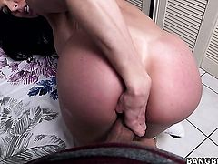 Kendra Lust knows no limits when it comes to cock stroking