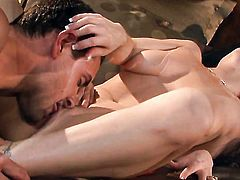 Carolyn Reese puts her luscious lips on dudes rock solid rod