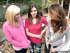 Brunette Victoria Lawson with juicy booty and Jessica Lynn stretch each others love hole with enthusiasm