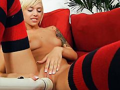 Emma Mae proves that her body is amazing as she masturbates naked