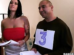 Brunette Carmella Bing gets her muff pie touched by Beverly Hills