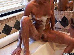 Prinzzess Sahara and Carli Banks have a good time licking each others love box