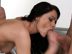 Brunette Sophie Lynx is on the way to orgasm in anal solo action