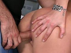 Lucy Heart is a delicious blonde that is licking dick in a garage. The lovely babe not only licks, but also exposes her tight ass for an anal gangbang.