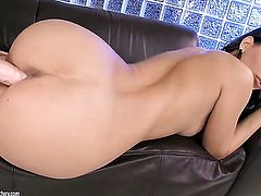 Blonde Salome lets Eve Angel stick her tongue in her lesbian cunt