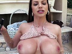 Brunette Brooklyn Chase turns man on to the point of no return with her hands and jerks him off