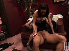 Sindee Jennings asks her man to drill her sweet mouth