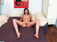 Brunette Valery Von getting down all by herself