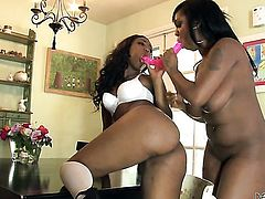 Layton Benton and Chanell Heart loses control in insane lesbian action