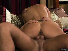 Rocco Reed is one hard-dicked guy who loves oral sex with Zoey Holloway