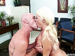 Delicious vixen with juicy breasts asks Johnny Sins to shove his throbbing meat pole in her mouth