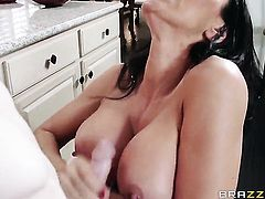 Sexy babe does a blow job
