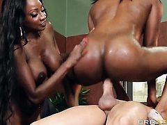 Huge tits black girls do a threesome