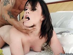 Jennifer White makes Alan Staffords love torpedo harder before getting her muff fucked