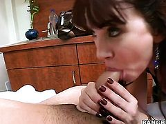 Brunette with round butt is in heat in tujob action