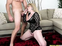 Blonde wants this cumshot sex action to last forever