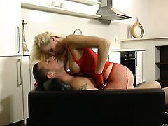 David Perry is horny and cant wait no more to pound slutty Lili As mouth before anal sex