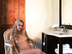 Sophia Knight cant live a day without playing with herself