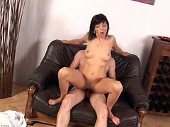 Limber mom Jane Black moans with dick in her pussy