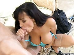 Alan Stafford fucks Lisa Ann with massive knockers as hard as possible in steamy hardcore action