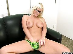 Blonde Kaylee Brookshire takes dream cumshot