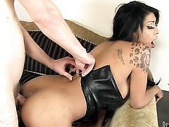 Hot bodied temptress just needs her overwhelming sexual desire to be fulfilled badly in sex action with Wolf Hudson