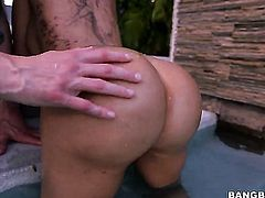 Brunette senorita Lela Star with big ass gets slam fucked silly by sex obsessed guy
