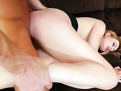 Blonde with trimmed twat is in need of sexual pleasure after tugjob