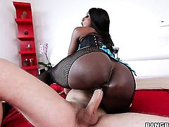 Milf black Diamond Jackson with bubbly bottom is curious about hard cornhole fucking