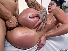 If you like bitches with big booties, click to meet a passionate latina milf! Sexy Kitty has a gorgeous body, not to mention her tits and crazy ass. Watch her shaking that booty and enjoy! She loves riding dick as a reverse cowgirl, and also likes to be pounded hard, from behind or sideways...