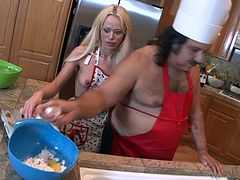 Rebecca Blue + Ron Jeremy - Chef Oldboyardee Bakes Hot Teen Pie