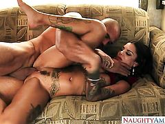 Tattoos exotic Bonnie Rotten with massive melons and smooth snatch makes mans sexual fantasies come true
