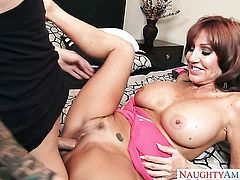 Brunette senora Tara Holiday with big hooters and bald muff takes a dream shower in cumshot action