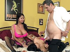 Miya Monroe has some time to get some pleasure with dudes ram rod in her mouth
