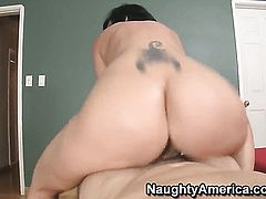 Mature Denis Marti with bubbly butt and smooth cunt takes cumshot of her lifetime