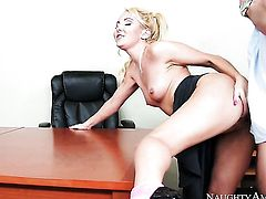 Blonde Aaliyah Love feels the best feeling ever with guys rock stiff rod in her hands